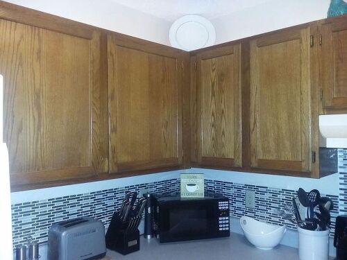 q what kind of paint used for laminate cupboards 1478