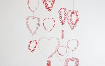 How to Make a Hearts Mobile With Plastic Bottles