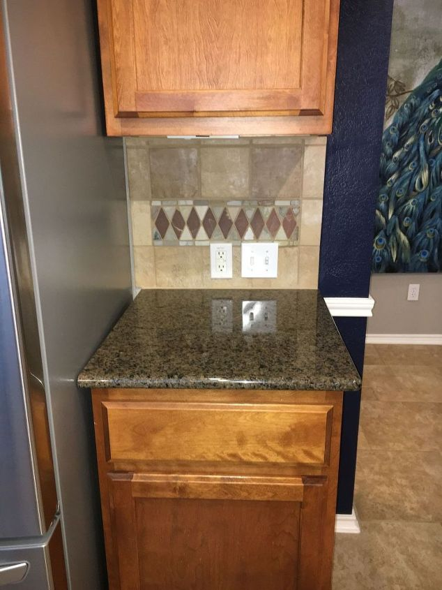 q i need ideas for painting this backsplash, interior home painting, kitchen backsplash, kitchen design, paint colors, painting, tiling, The colors on the backsplace are a little darker than shown I took these first 2 photos with a flash