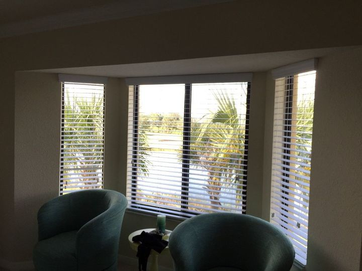 q hiw to hang short curtain panels in bay cove, window treatments, windows, Bay window where 4 panels of curtains will be hung