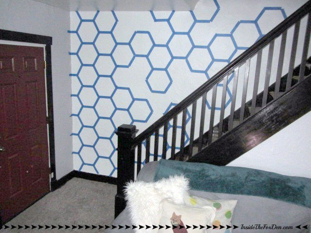 diy honeycomb accent wall, home decor, painting, wall decor