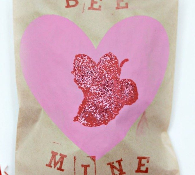 s 18 magical ways to update your plain jane stuff using graphics, home decor, repurposing upcycling, Make your Valentine s a little bit sweeter