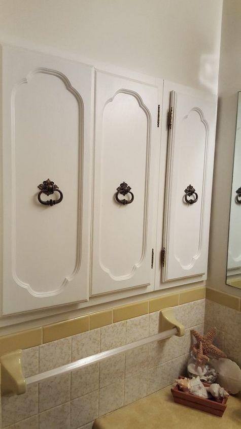 Ugly 70 S Gold Bathroom Needs Help Hometalk