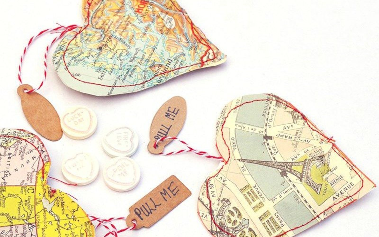 s how 13 dumpster divers decorate for valentine s day, repurposing upcycling, seasonal holiday decor, valentines day ideas, Hearty Treat Bags from Old Maps