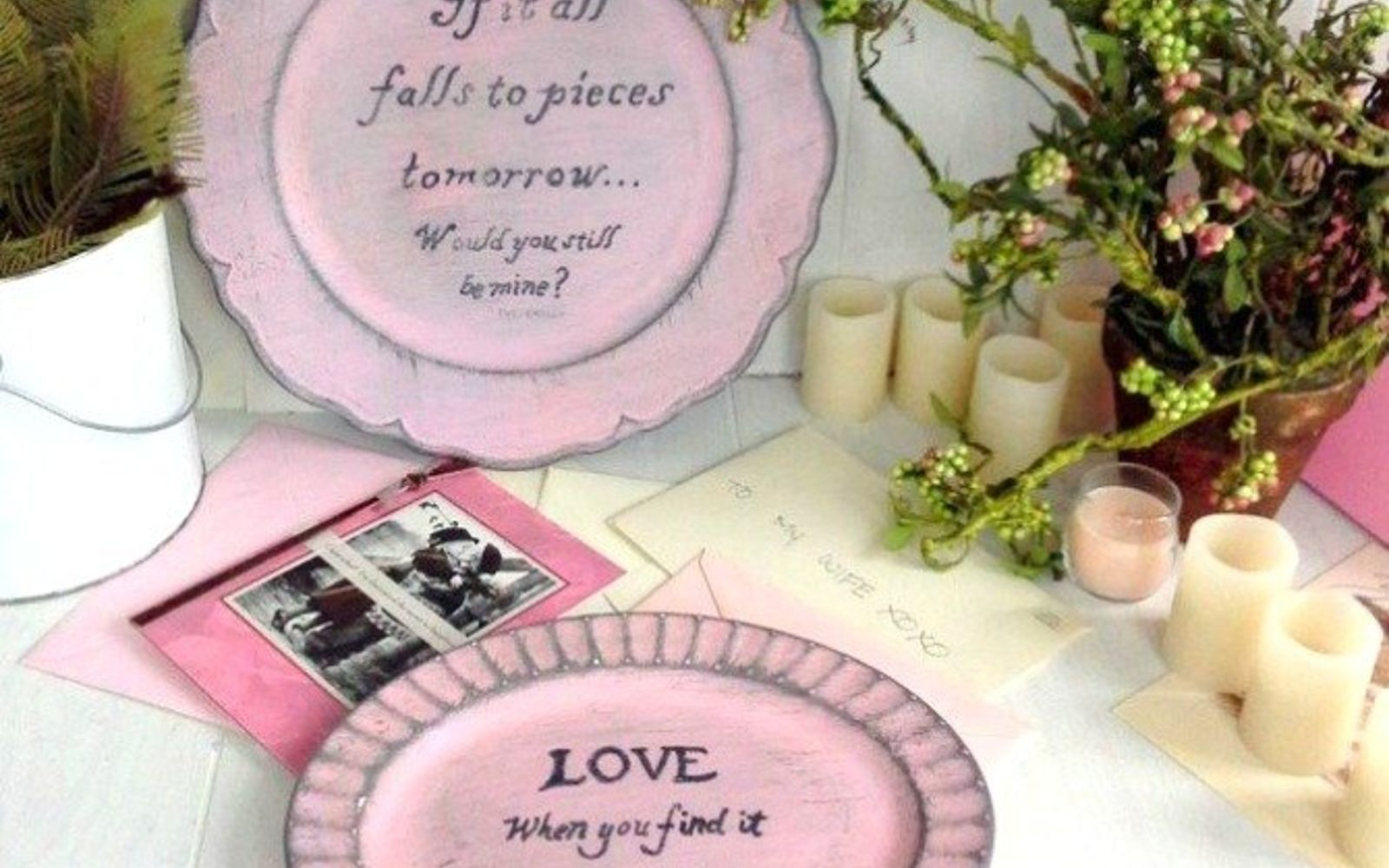 s how 13 dumpster divers decorate for valentine s day, repurposing upcycling, seasonal holiday decor, valentines day ideas, Painted Love Letters from Thrifted Plates