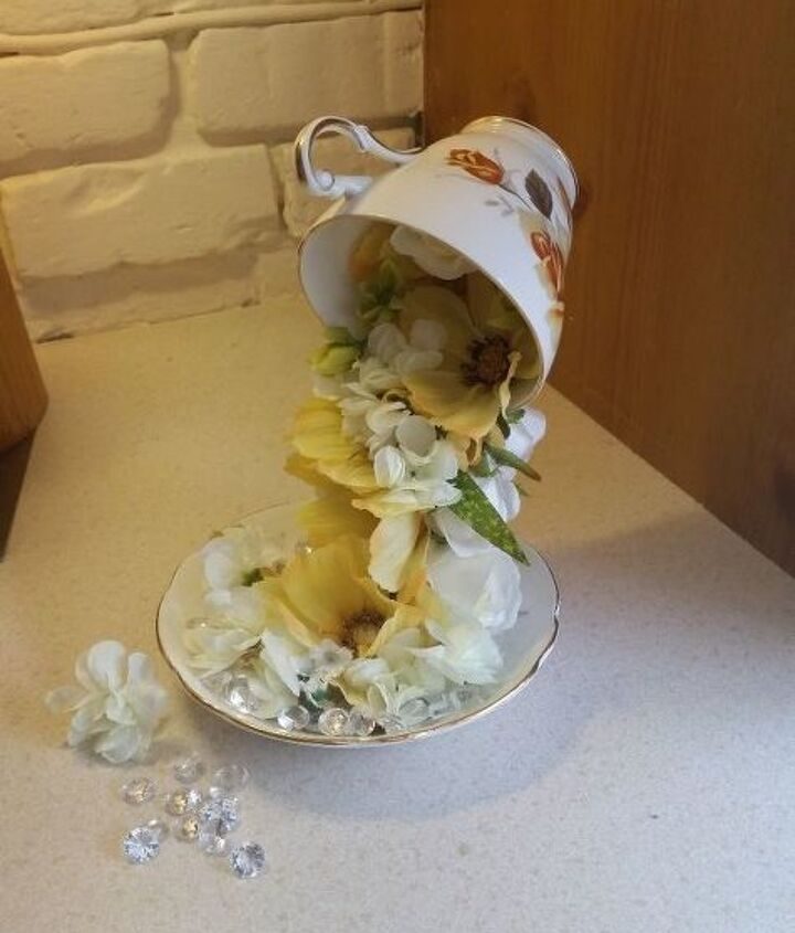 floating tea cups, crafts, repurposing upcycling