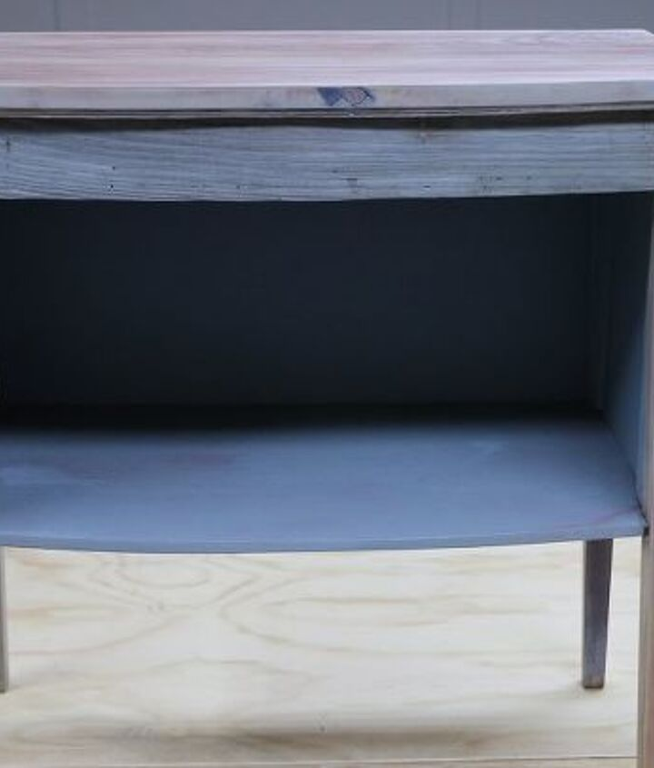 How To Refinish And Refurbish Furniture Using Stain And Paint How To Painted Furniture