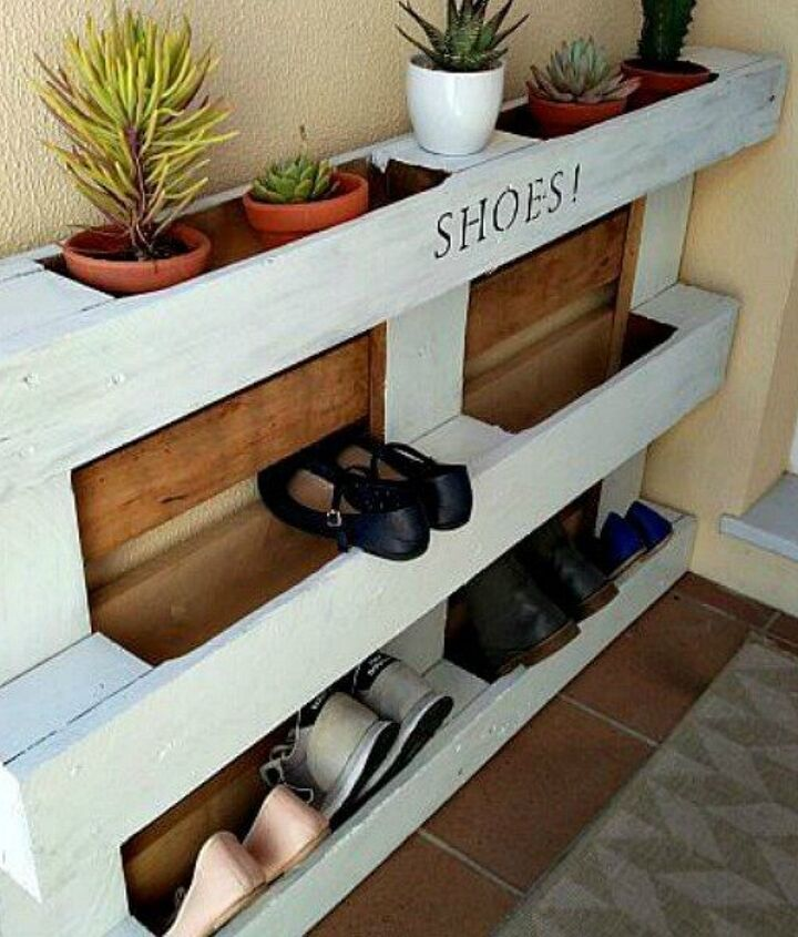 s 18 incredibly easy ways to use the entire pallet, pallet, Put one by a wall for instant shoe storage