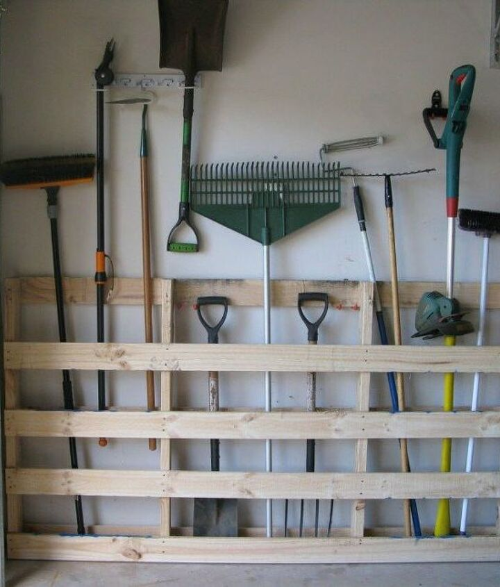 s 18 incredibly easy ways to use the entire pallet, pallet, Place it in the garage as a tool organizer
