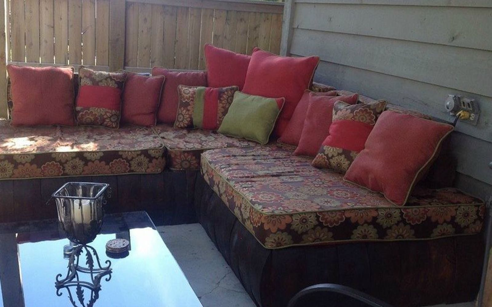 s 18 incredibly easy ways to use the entire pallet, pallet, Turn a collection into classy outdoor seating
