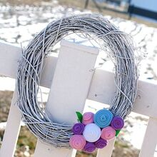 early spring felt rosette wreath, crafts, easter decorations, wreaths