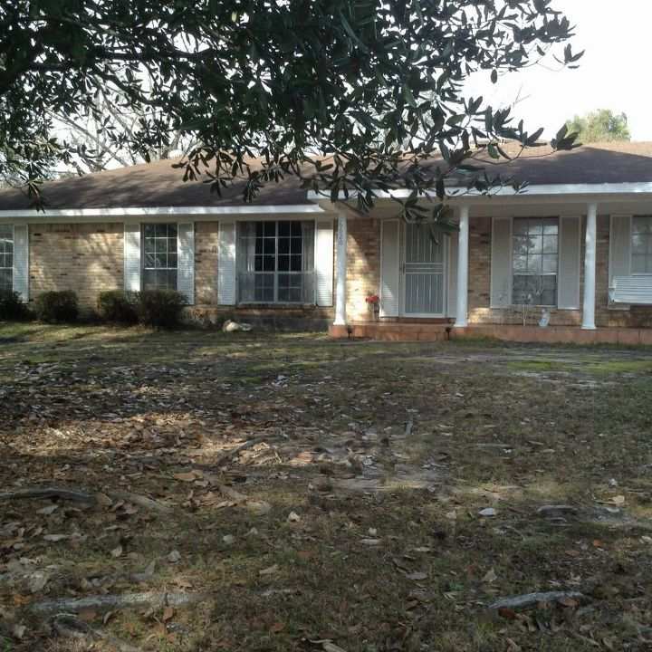 Eight Mile Alabama: Dull Chicago Brick Ranch In Eight Mile, AL, Needs