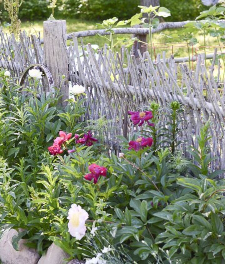 how to build a beautiful unique and mostly free garden fence, fences, how to
