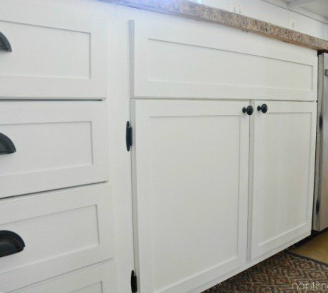 Adding Molding To Kitchen Cabinet Doors: 14 Easiest Ways To Totally Transform Your Kitchen Cabinets