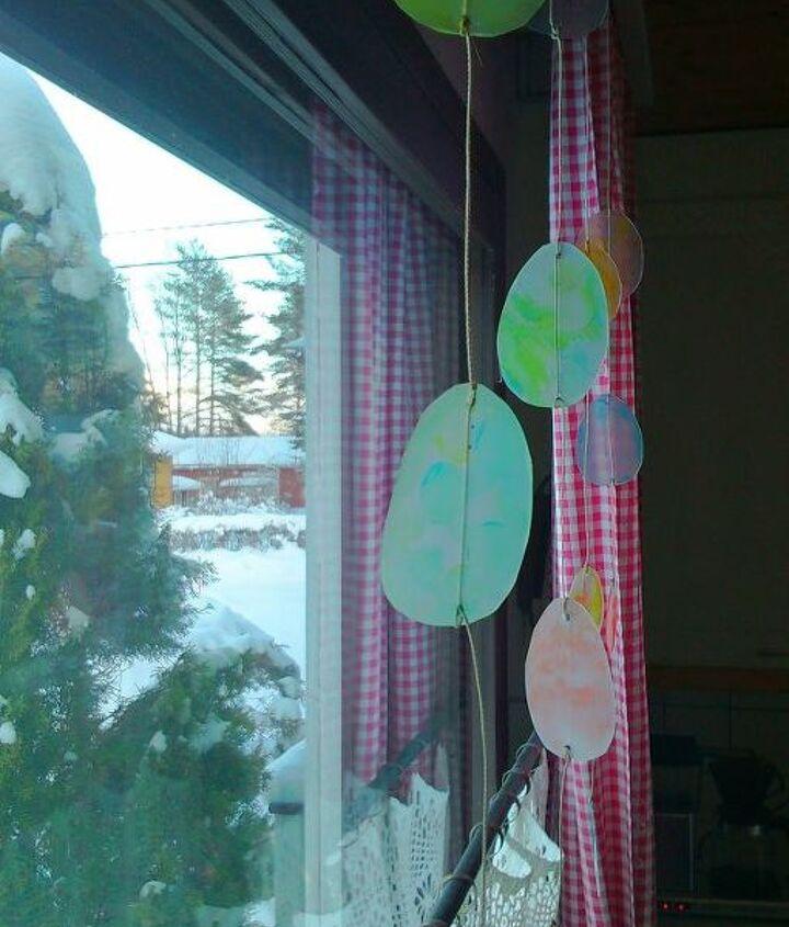 easter window decoration idea, crafts, easter decorations, seasonal holiday decor, windows