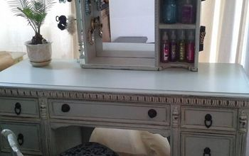 Garbage Find Turned Into a Vanity for My Daughter