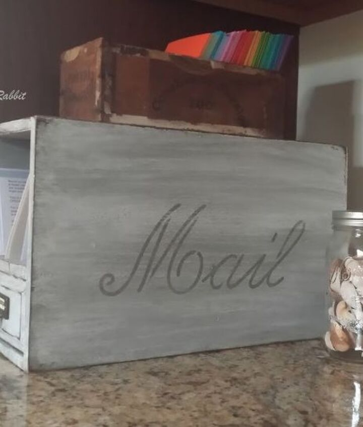 easy weathered wood painting tutorial, chalk paint, painted furniture