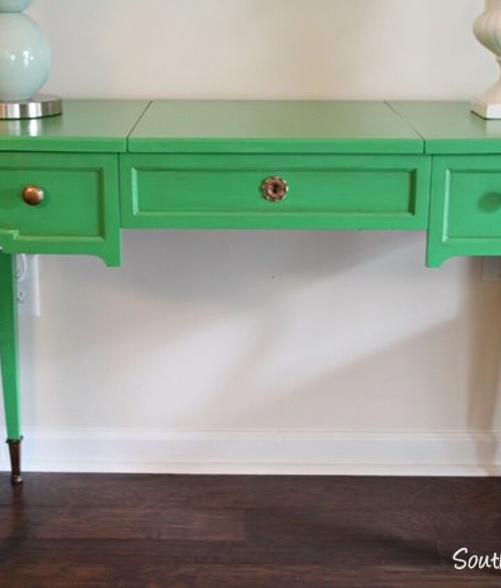 painting vintage furniture green, painted furniture