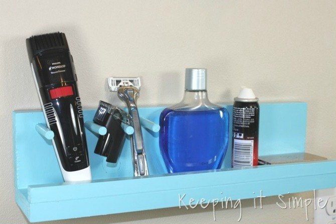 s 13 tricks people who hate bathroom clutter swear by, bathroom ideas, organizing, Build a quick wall organizer for men