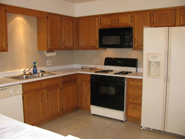 Best Way To Spruce Up Finish On Medium Oak Kitchen Cabinets Hometalk