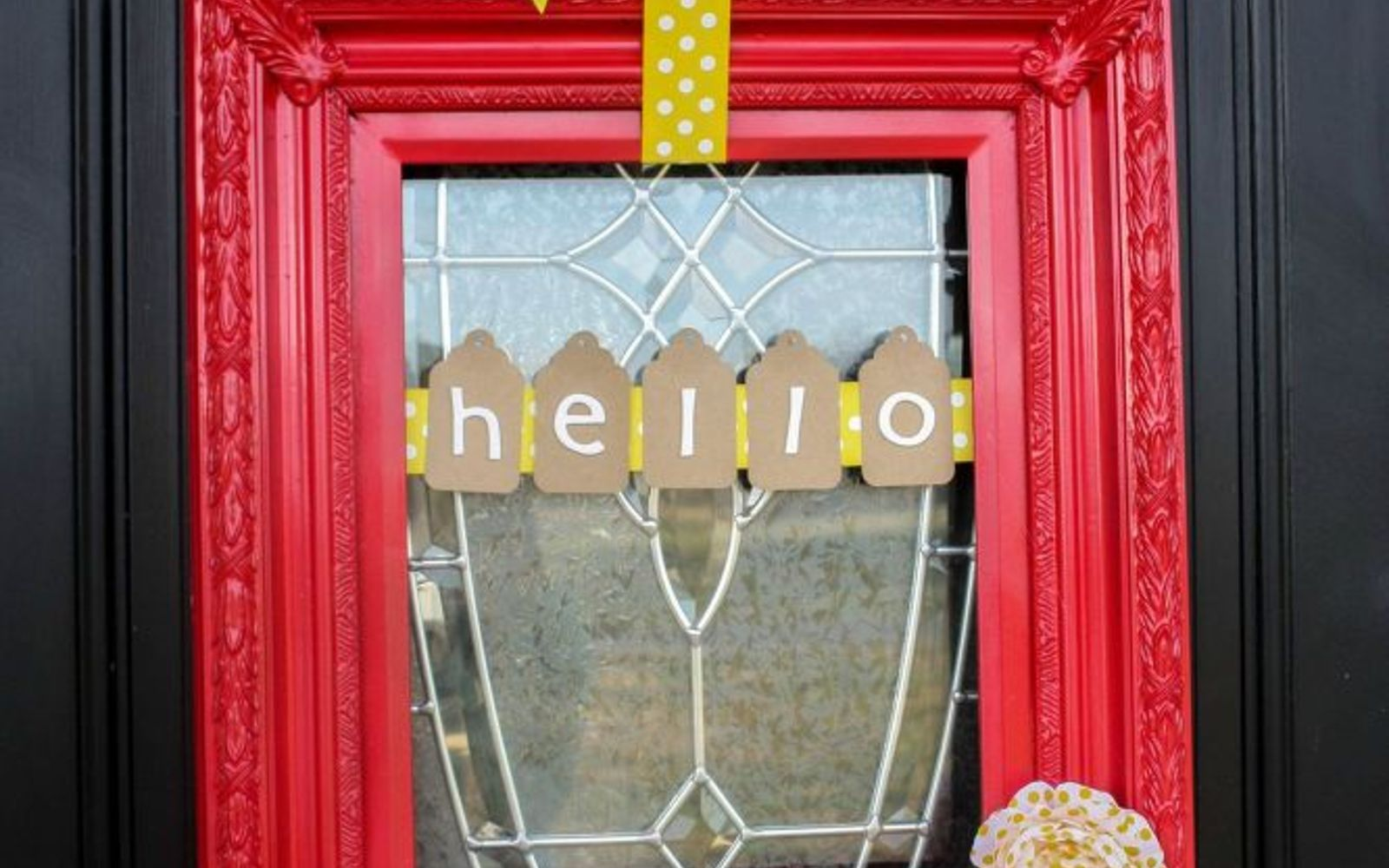 s 31 gorgeous spring wreaths that will make your neighbors smile, crafts, seasonal holiday decor, wreaths, Spray paint an old frame for this door look