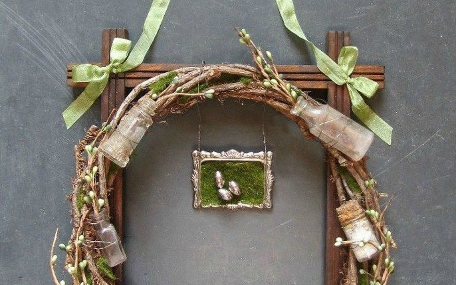 s 31 gorgeous spring wreaths that will make your neighbors smile, crafts, seasonal holiday decor, wreaths, Include some of your vintage collection