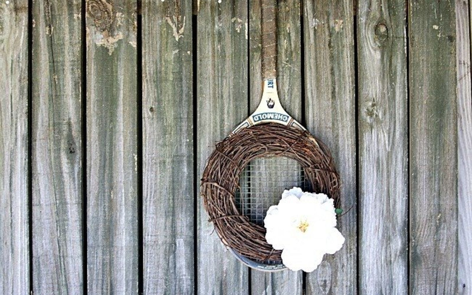 s 31 gorgeous spring wreaths that will make your neighbors smile, crafts, seasonal holiday decor, wreaths, Use an old tennis racket