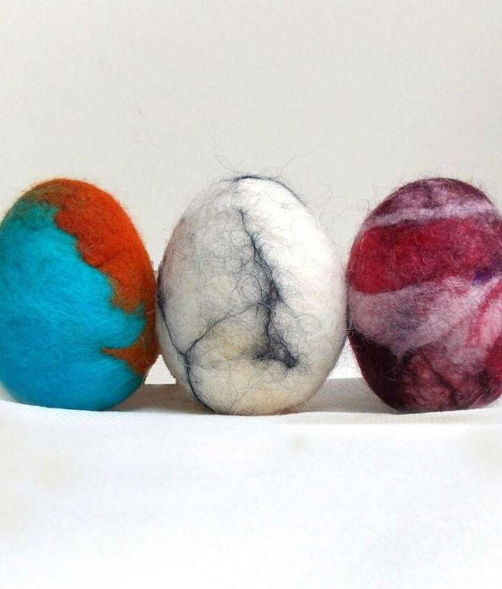 how to make wet felted easter eggs with wool, crafts, easter decorations, seasonal holiday decor