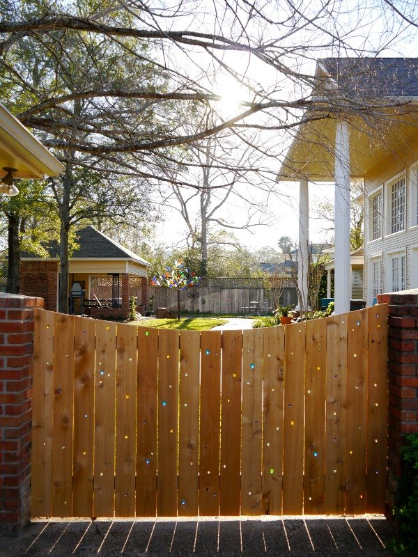 15 Privacy Fences That Will Turn Your Yard Into A Secluded Oasis Hometalk