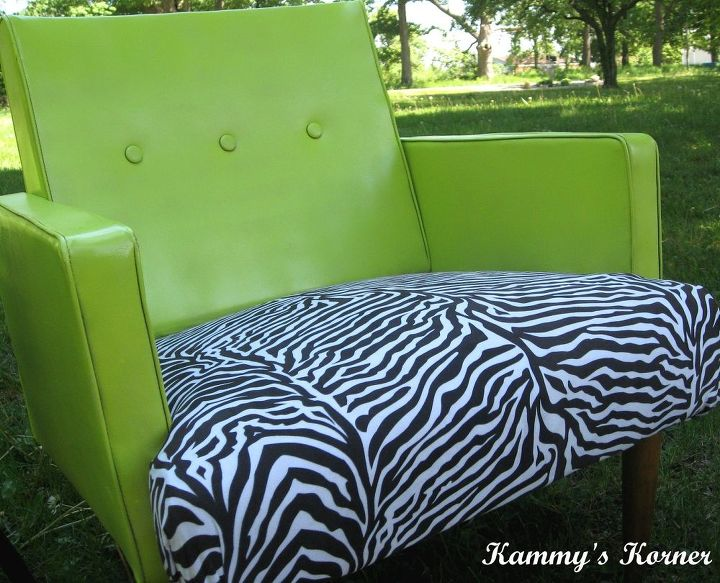 s 21 enchanting ideas for people who love green, home decor, paint colors, painted furniture, Go for Key Lime Green Seating