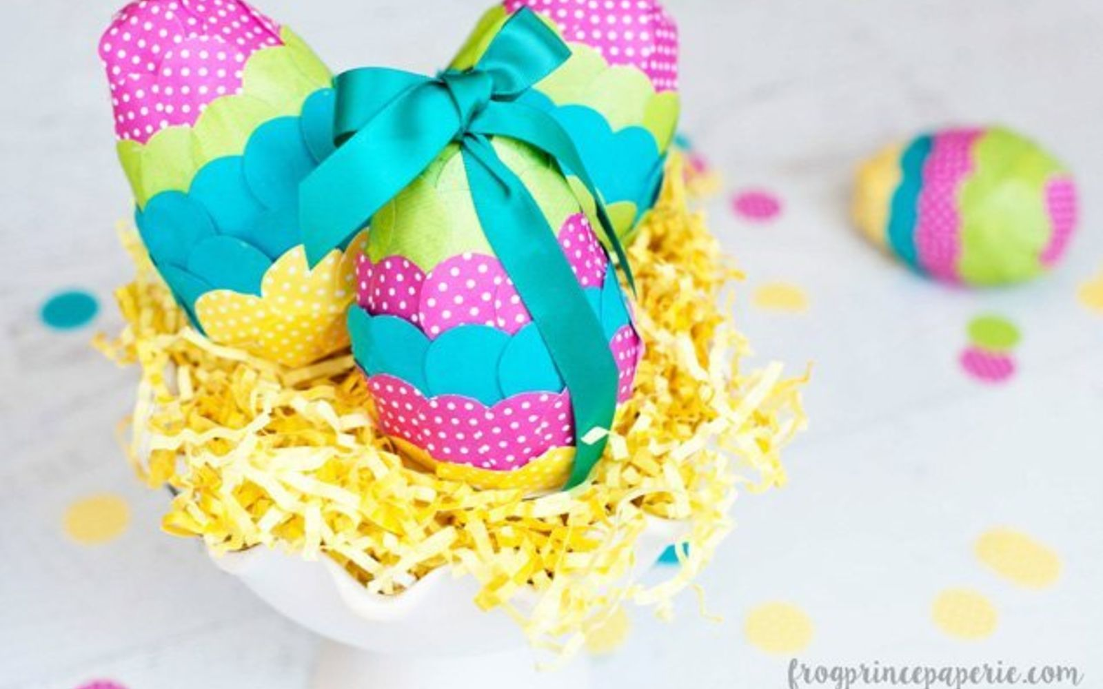 s 25 quick easter egg ideas that are just too stinkin cute, crafts, easter decorations, Create some paper mache confetti cuties