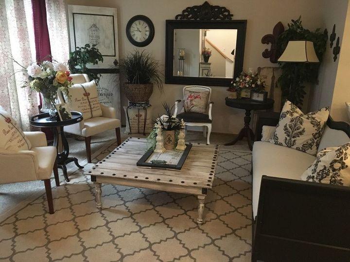 A Designer Living Room on a Budget by a Garage Sale DIY ...