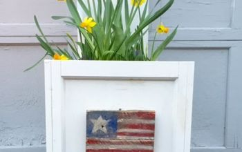 DIY Pallet Seasonal Planter Signs