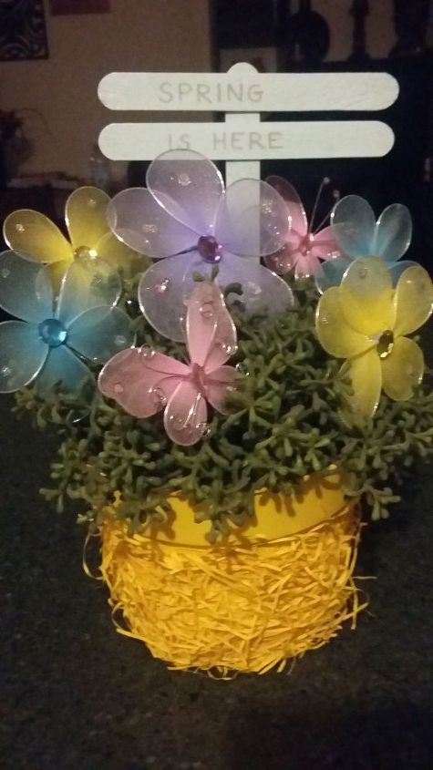 spring easter easy to do flower pot, easter decorations, gardening, seasonal holiday decor
