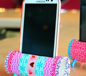 How to make a phone stand out of toilet paper roll