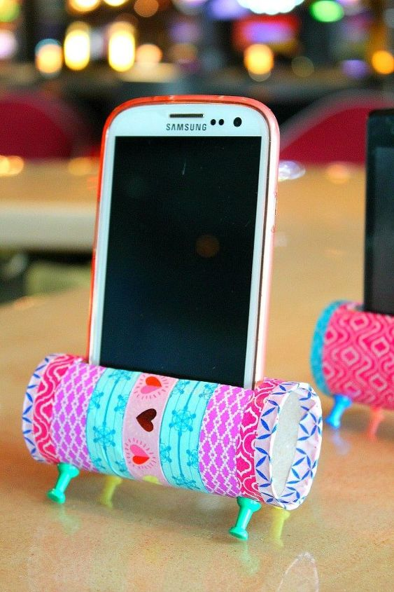 diy phone stand with recycled toilet paper rolls, crafts, how to, repurposing upcycling