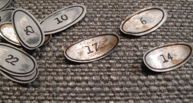 recycled soda can vintage number labels, crafts, organizing, pallet, repurposing upcycling, shelving ideas
