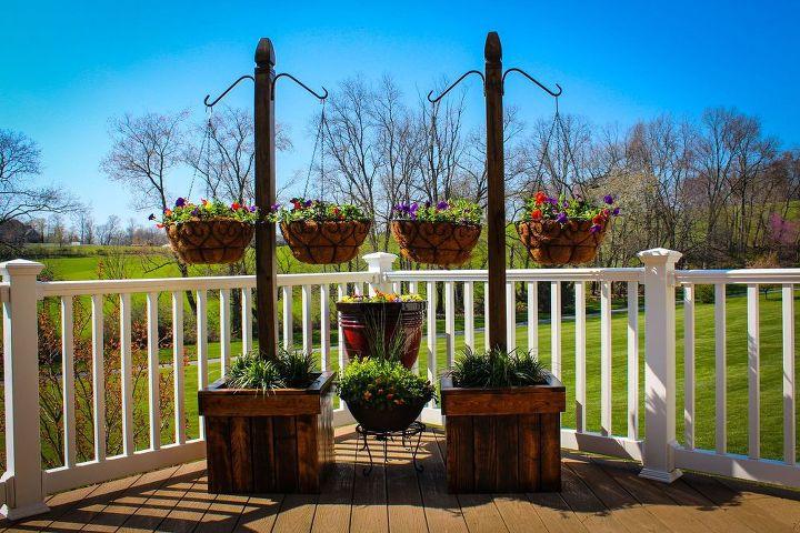 hanging basket column, container gardening, gardening, pallet