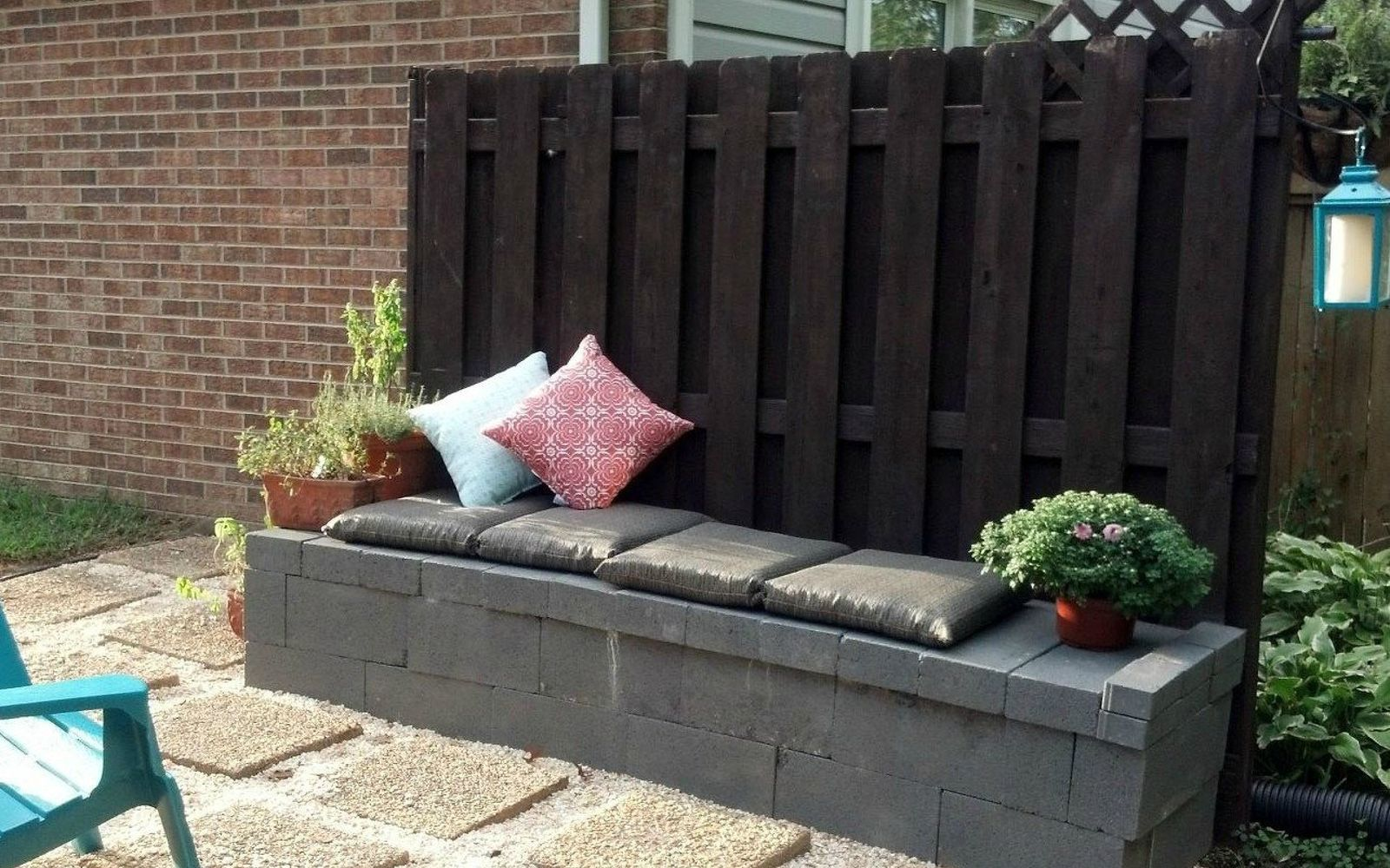 10 Genius Ways to Use Cinder Blocks in Your Garden | Hometalk