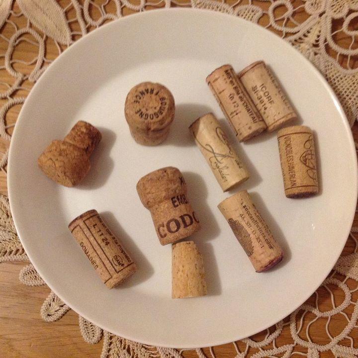 cork magnets, repurposing upcycling, wall decor