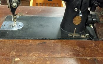restoring a vintage sewing machine, home decor, Similar machine in worse condition than mine