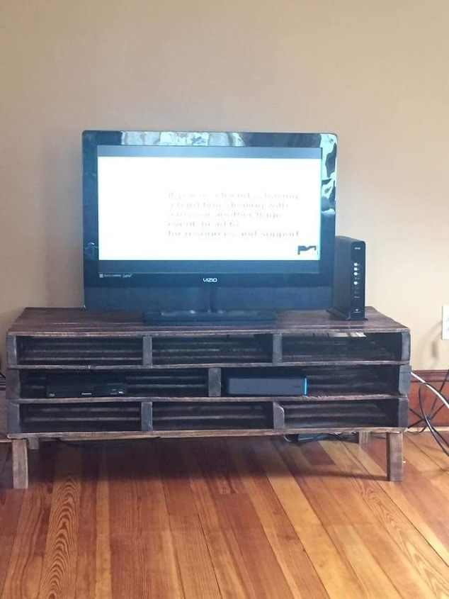 pallet tv stand, diy, entertainment rec rooms, pallet, woodworking projects