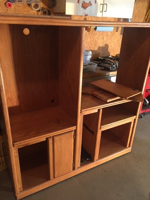 Repurposed entertainment center for slimy critter fanatics hometalk repurposed entertainment center for slimy critter fanatics animals diy entertainment rec rooms solutioingenieria Gallery