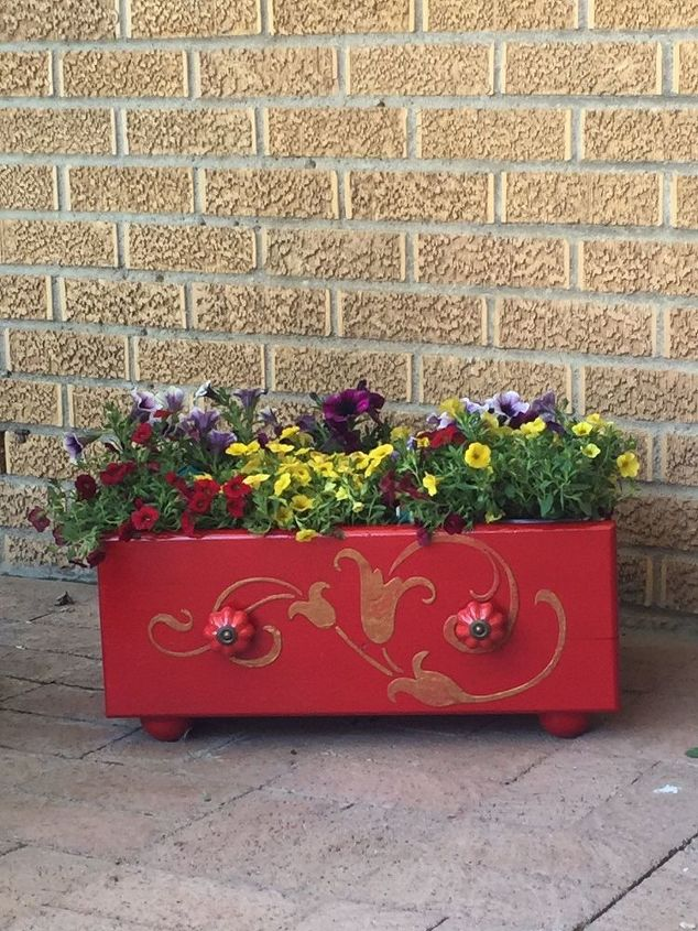 abandoned drawer into a gorgeous flower planter using a stencil, container gardening, gardening, repurposing upcycling