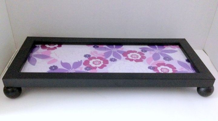 interchangeable guest towel picture frame tray, bathroom ideas, crafts, decoupage, small bathroom ideas