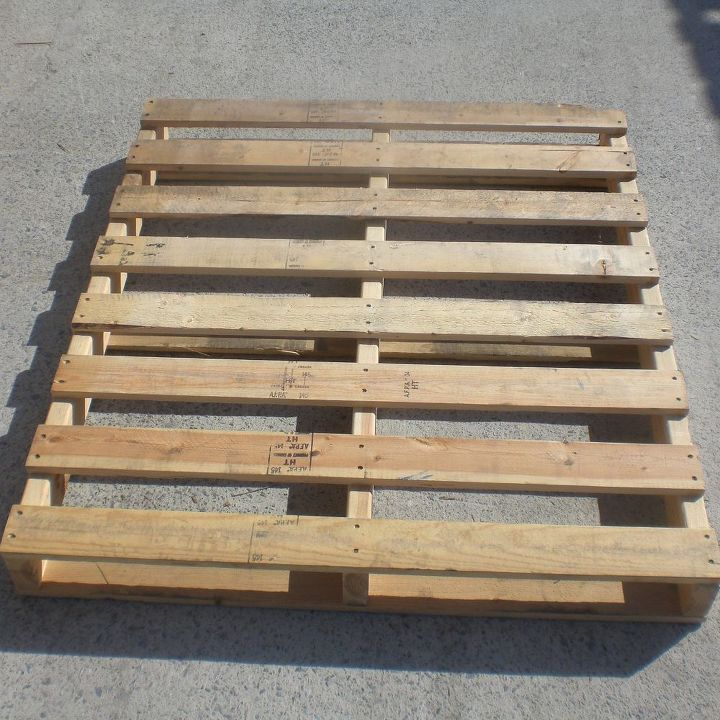 q where can i find wooden pallets in the memphis area , pallet