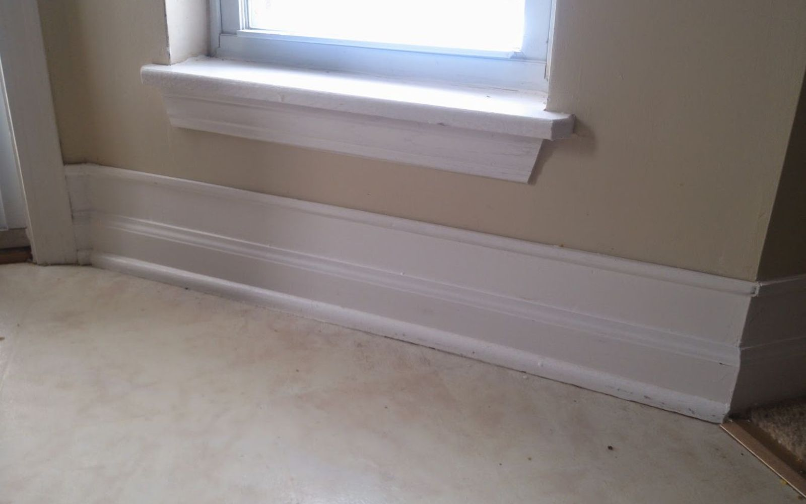 9 Tricks To Turn Builder Grade Baseboards Into Custom Made