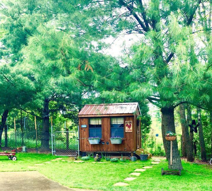 vintsge chicken coop window boxes, container gardening, gardening, outdoor living