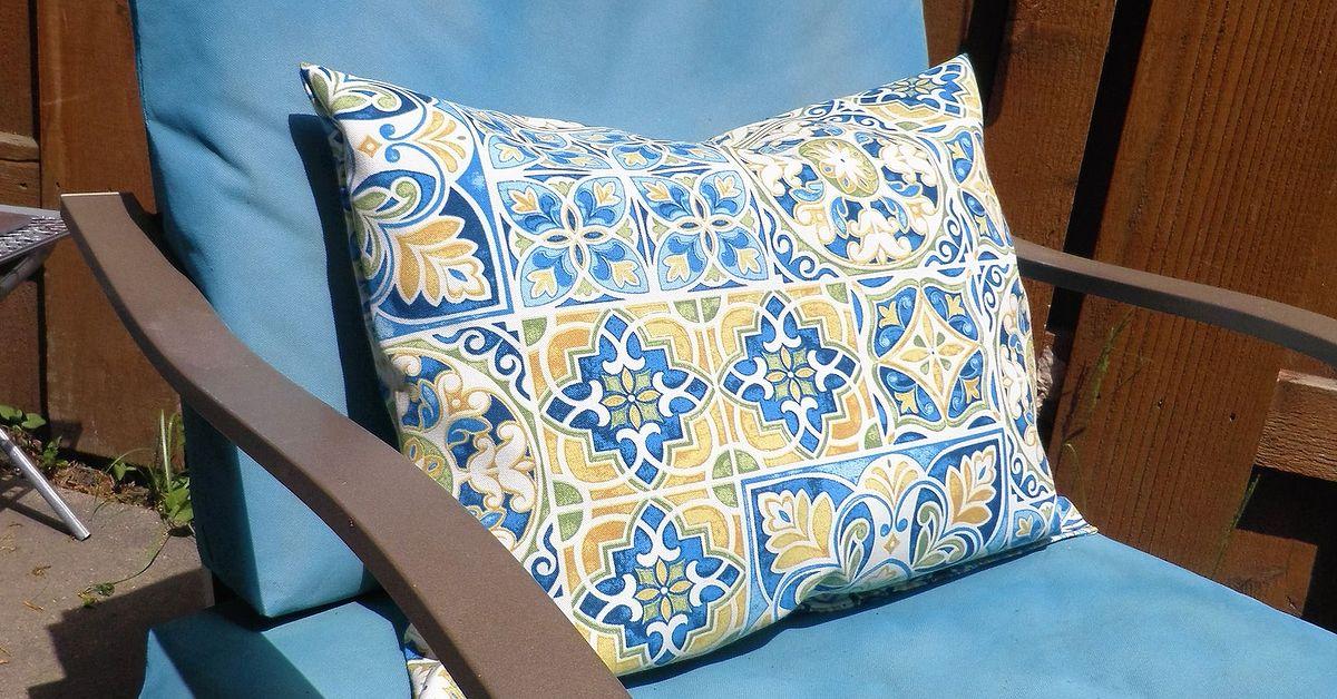No More Outdoor Cushions Blowing Away!   Hometalk - Velcro To The Rescue! No More Outdoor Cushions Blowing Away! Hometalk