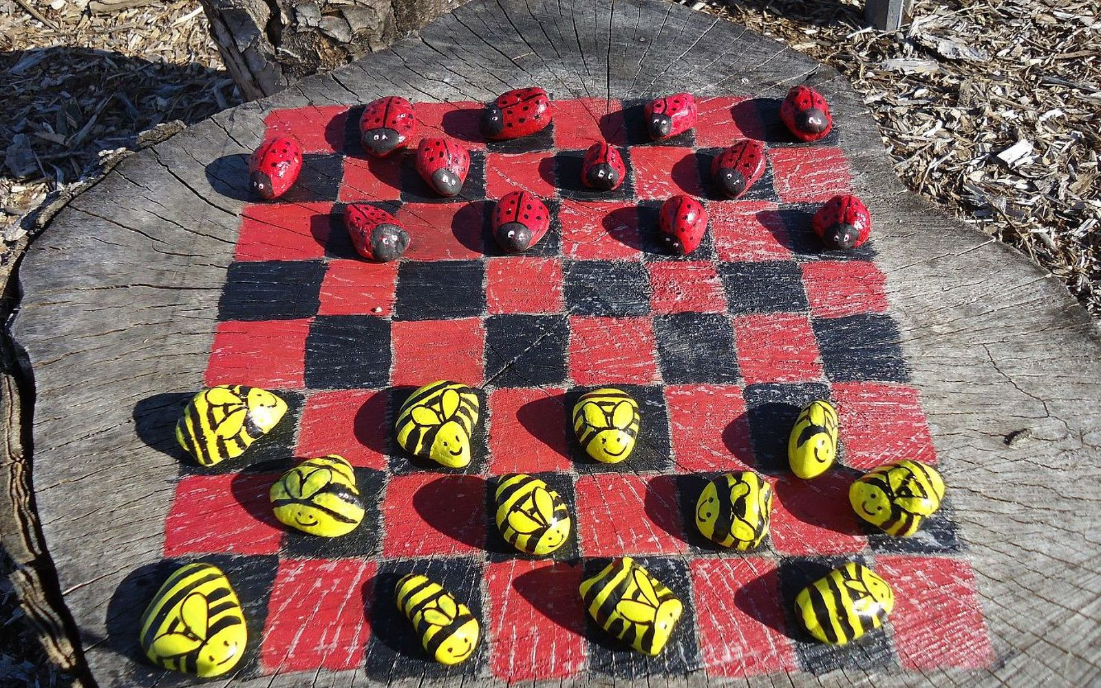 13 Crazy Fun Yard Games Your Family Will Flip for This ...